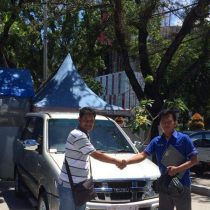 Foto Penyerahan Unit 11 Sales Marketing Mobil Dealer Isuzu Padang Romi