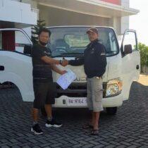 Foto Penyerahan Unit Isuzu Padang (9)